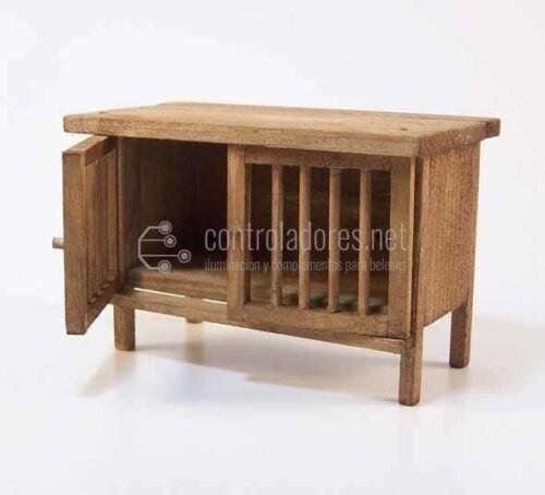 Jaula alargada de madera