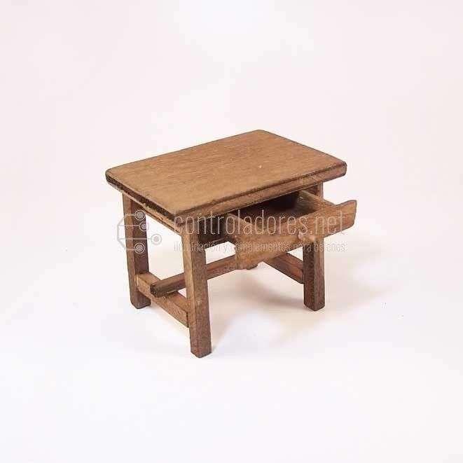 Mesa madera con cajón 9x6x7