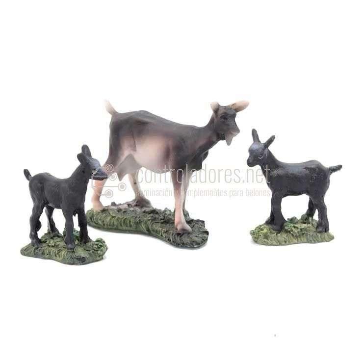Cabra y 2 crías