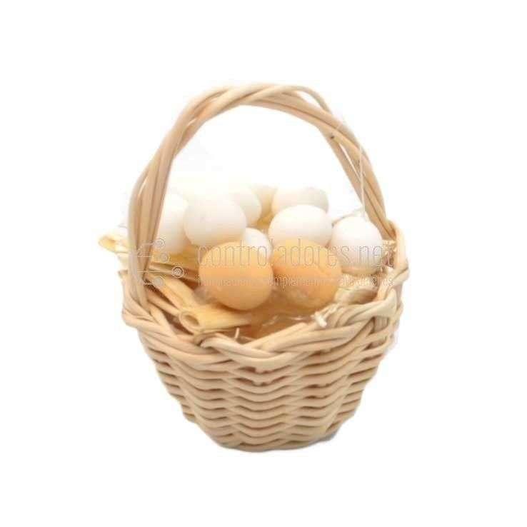 Cesto con huevos