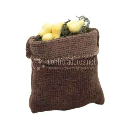 Saco marrón pequeño con frutas