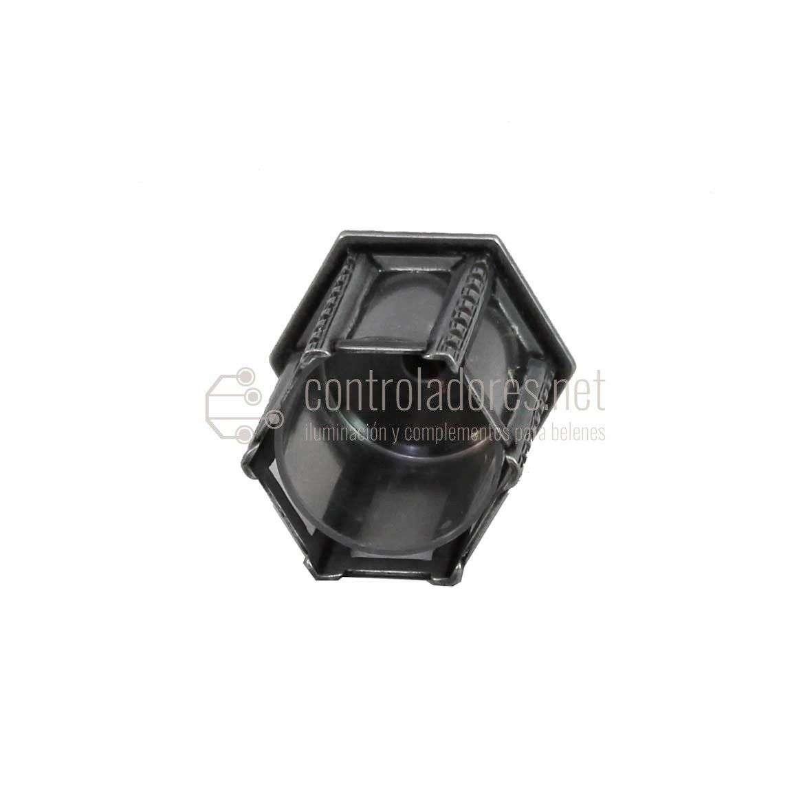 Farol hexagonal de metal