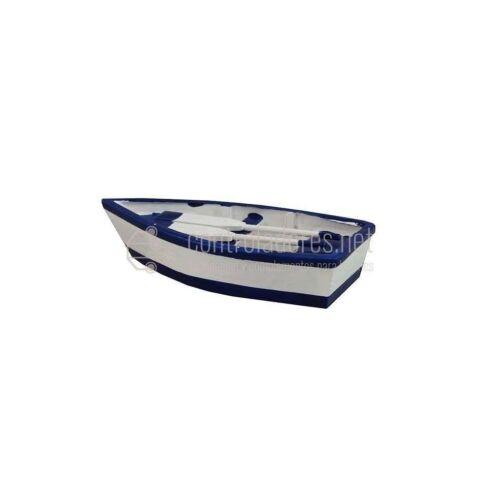 Barca madera con remos pequeña