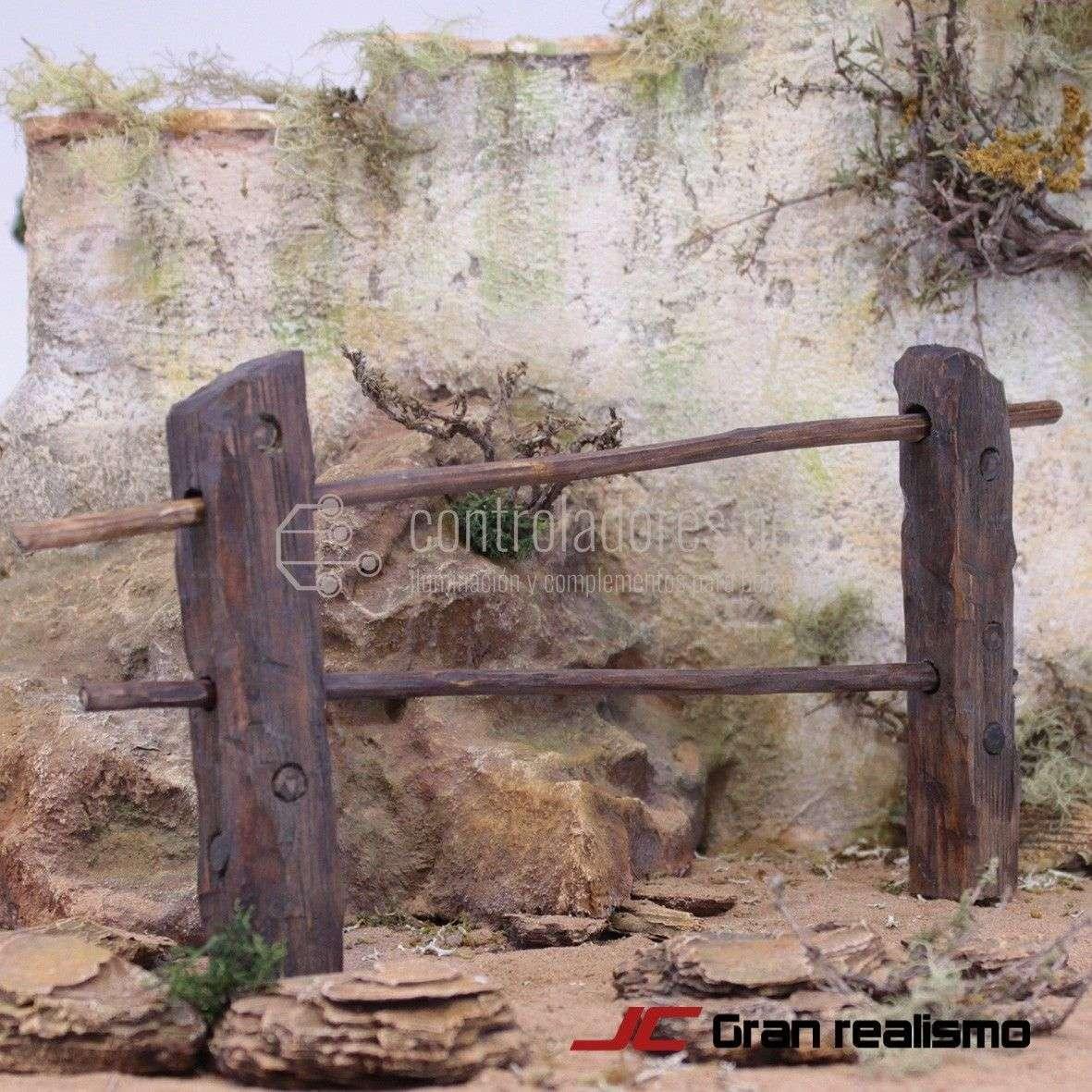 Valla de camino en madera de olivo y pino 25x11 cm
