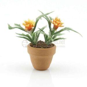 Maceta mini con flor naranja